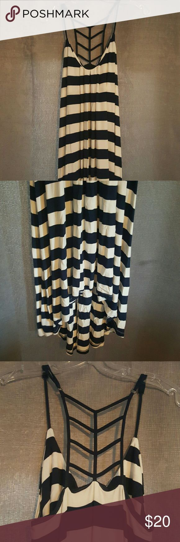 Cynthia Rowley nautical maxi dress Nautical navy and white stretchy cotton striped maxi. Has built in bra and adjustable straps. Shorter in the front and extends to floor length in the back. Only worn once with no damage. Cynthia Rowley Dresses Maxi