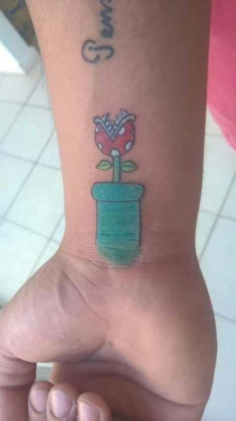 Tattoo Super Mario Bros flower
