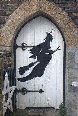 Happy Halloween....witches only, please.Halloween Witches, The Doors, Halloween Costumes, Front Doors, Knock Knock, Witches Doors, Cornwall England, Halloween Doors, Happy Halloween