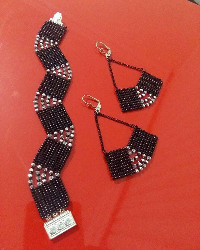 #miyukibeads #miyukikolye #miyuki #elsanatları #takı #tasarım #jevelrybox #jevelry #jewelryblog #eskişehir #bijuteri #boncuk #miyukibracelet #instajevelry #design #beaddesign #instajevelry #hobby #good #gift #gümüş #aksesuar #black #perlesmiyuki #handmade #handmadejewelry