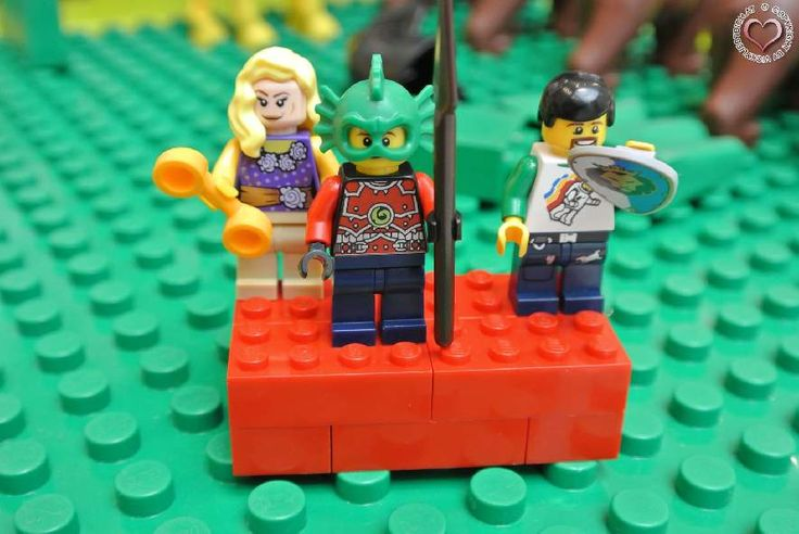 erster LEGO Store in der SCS Vösendorf - Mein Sohn Lenny war schon seit seinen ersten Lebensmonaten ein großer Fan von LEGO. Während er anfangs noch mit LEGO Primo Bausteinen spielte, wuchs ab ca. 2 Jahren die Begeisterung für LEGO Duplo. Mittlerweile haben wir ein großes Sortiment der bunten Steine angefangen bei Autos, Lastwagen... - http://www.vickyliebtdich.at/lego-store/