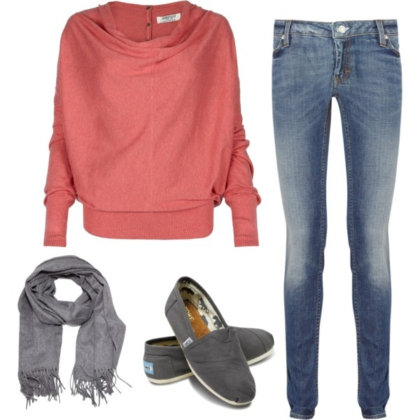 Love big sweaters. Perfect for fall!