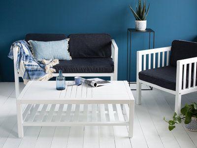 Salon de jardin 4 places en acacia FSC blanc et housses bleu jean : canapé 2 places + 2 fauteuils + 1 table basse CARAVELLE