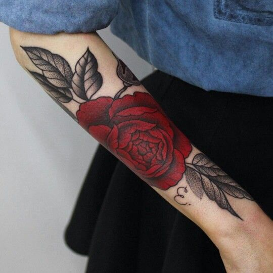 #beautiful #realistic #colorful #tattoo #red #rose #flower #leaves #girl #girly #inked