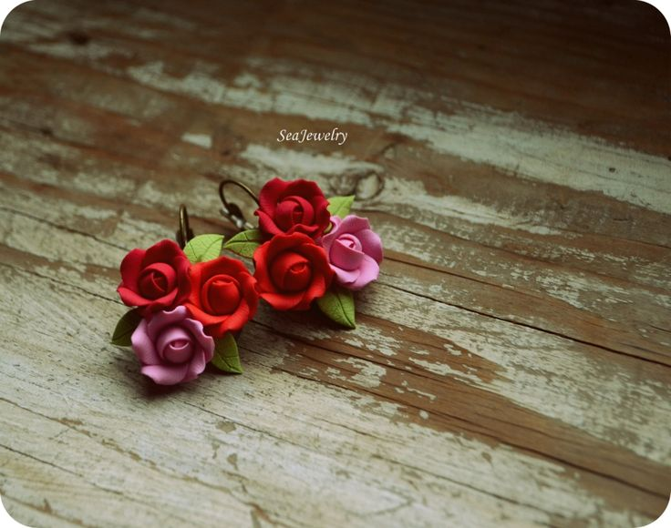 Roses. (25 LEI la SeaJewelry.breslo.ro)