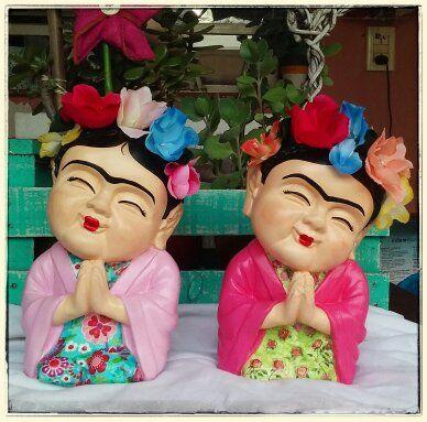 Budas bebe Frida Khalo, $180 en https://ofelia.com.ar