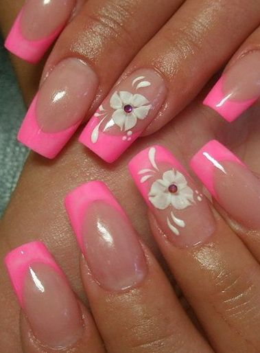French Manicure Nail Art | French manicure photos - From Modern to Classic Designs | Nail art ...