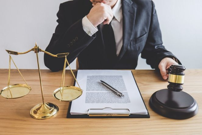 Description Of A Lawyer And The Responsibilities Of The Profession    Lawyer, Teaching laws, Legal advice