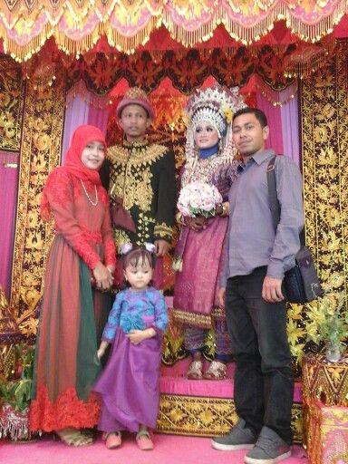 Pelaminan pengantin adat Aceh