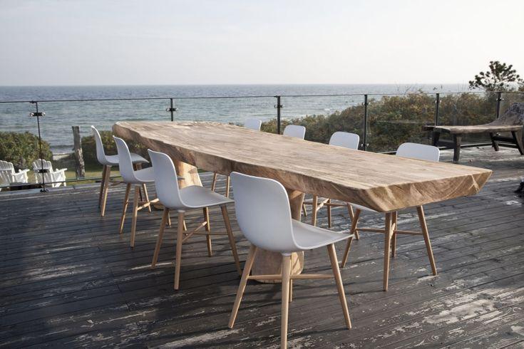 De Rough table van Norr11 is zon rustieke eettafel die heel veel mensen graag in huis zouden willen hebben. Een stoere tafel die gemaakt is van een stuk hout dus daardoor zal het tafelblad...