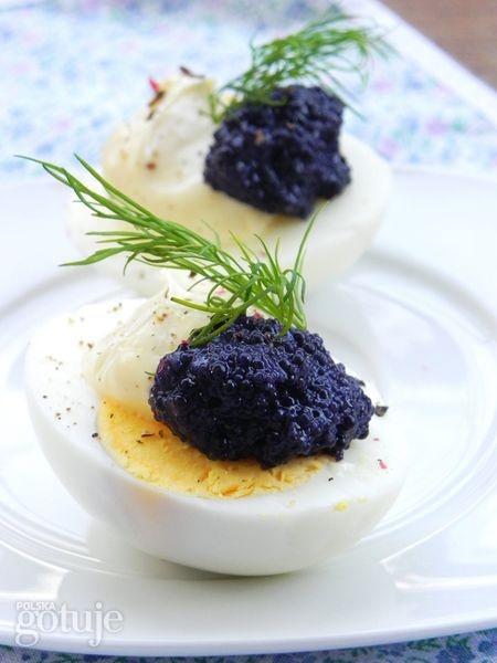 Jajka z czarnym kawiorem