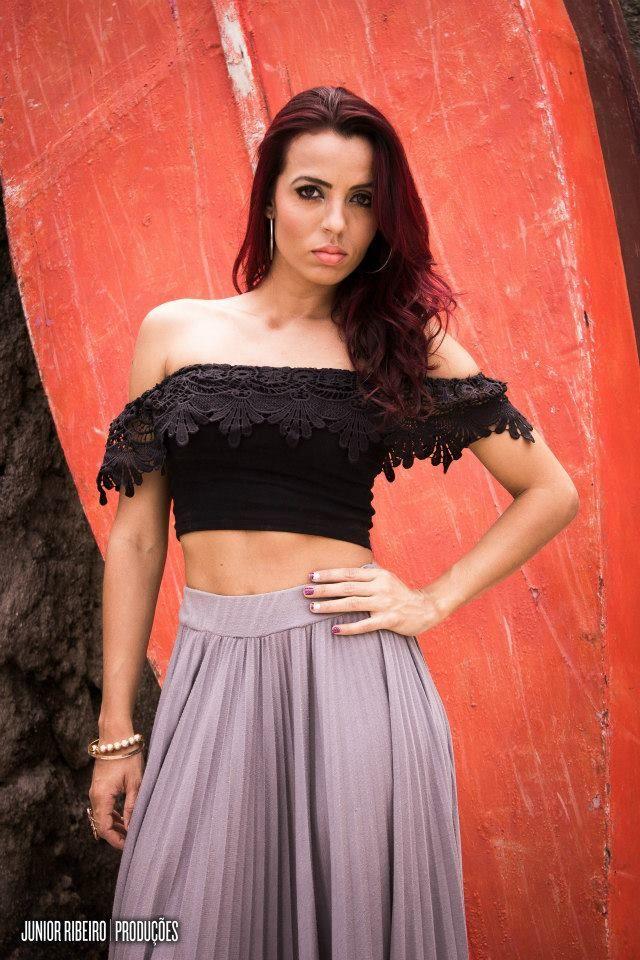 Fashion Maniac Brazil: Gray skirt and black cropped