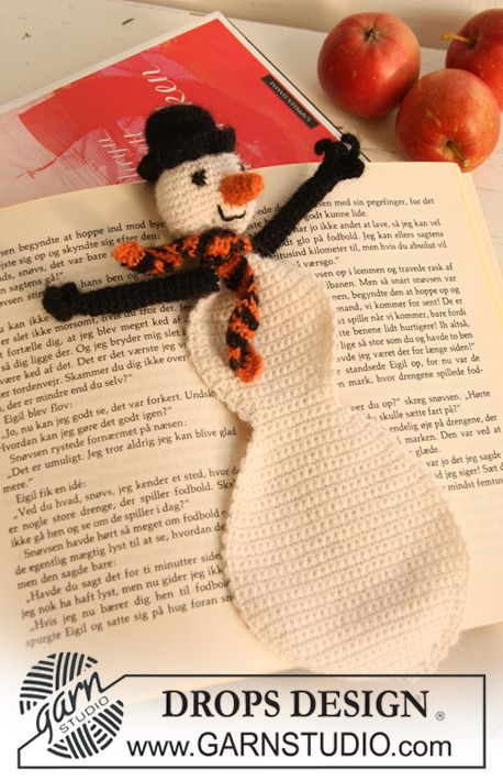 "Crochet DROPS snowman bookmark for Christmas in ""Alpaca""."