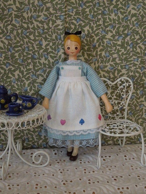 不思議の国から、私たちの世界に飛び出してきた、お人形アリス。どんなすてきな冒険が待ち受けているのでしょう!新しいお友達に会えるのを、ワクワクしながら待っていま... ハンドメイド、手作り、手仕事品の通販・販売・購入ならCreema。