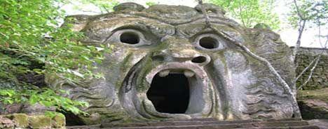 Bomarzo delle Meraviglie - L'incantevole Parco dei mostri di Bomarzo è uno dei complessi più invidiati all'Italia. Giochi tra natura e arte vi stregheranno con il suo ardito Rinascimento.