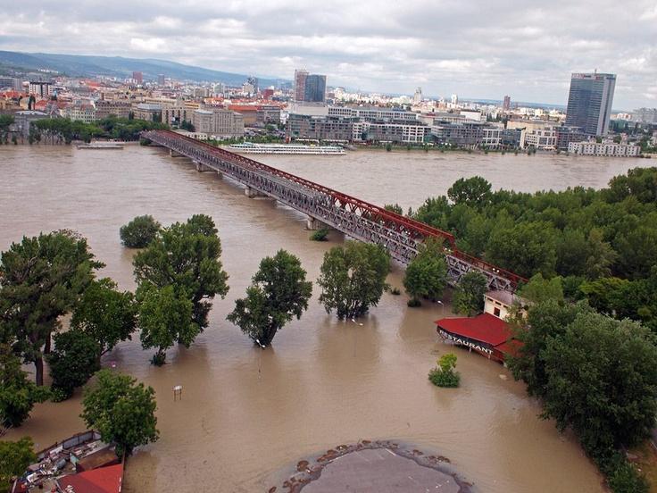 Überschwemmungen in Pressburg (SME)