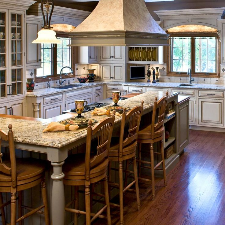 This French Country Kitchen Is Perfect For Entertaining
