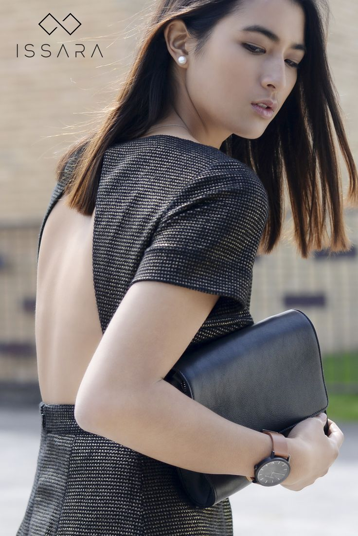 Versatile Crossbody Bag & Clutch [Colours: Black / Camel / Cognac / Navy] // Throw over your shoulder and go. Combining the best of both worlds, this sleek leather bag becomes a clutch upon removal of the adjustable strap. Sleek enough for the office or a night out.