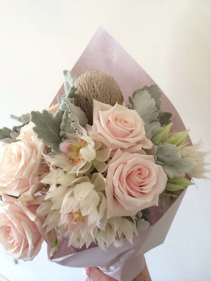 Roses and blushing bride posy