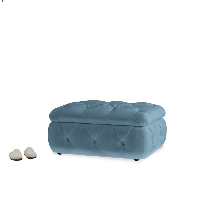 A lot of you Loafers out there asked us to design a seriously handy storage footstool that looks the part too. Something for tucking away bed linen, blankets and books. Or the in-laws if they'll fit.