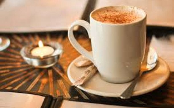 With the dropping temperatures, the dark mornings and the early sunset, warm up with one of these hot beverages - perfect for ALL doshas!