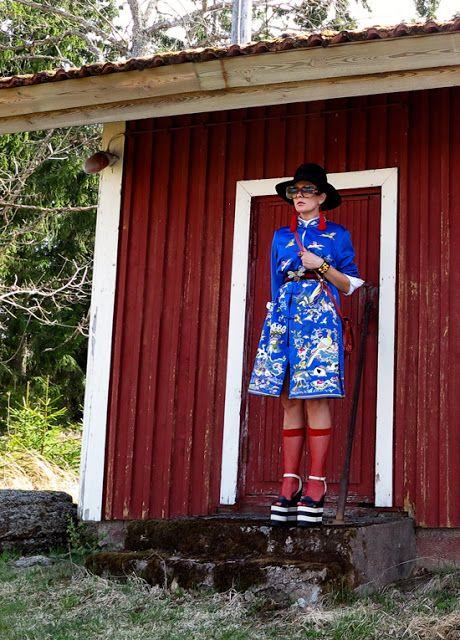 The wardrobe of Ms. B: That Oriental vintage coat I love to wear