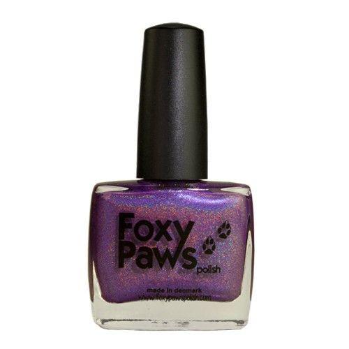 Purple Rain je fialový holografický lak na nehty. Růčně vyrobený lak na nehty z Dánska. 11 ml.