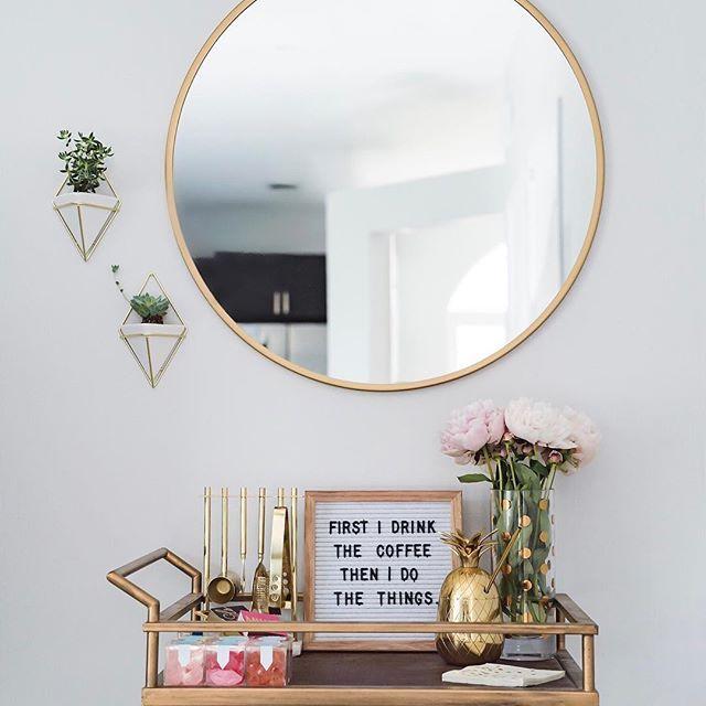 Best 25+ Corner Wall Decor Ideas On Pinterest