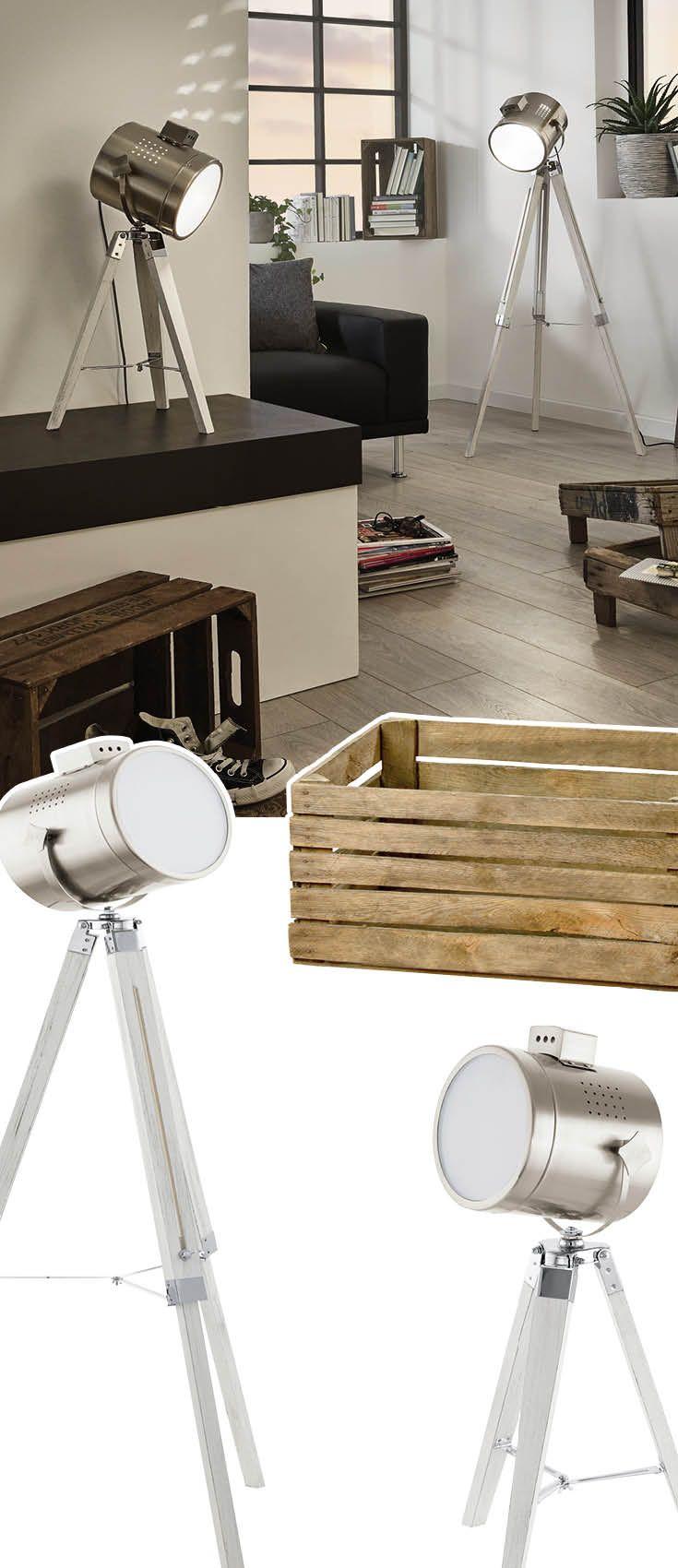 Great Tischlampe und Stehlampe aus Holz und Stahl Die silberne Lampe passt wunderbar zu einer Einrichtung