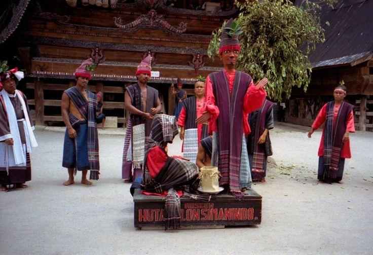 Sumatera Utara, Tari Sigale Gale Pulau Samosir: Wisata Alam Danau Toba