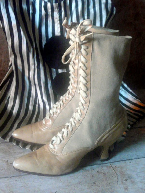 antique boots