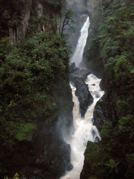 Devil's-Cauldron---Puyo, Ecuador