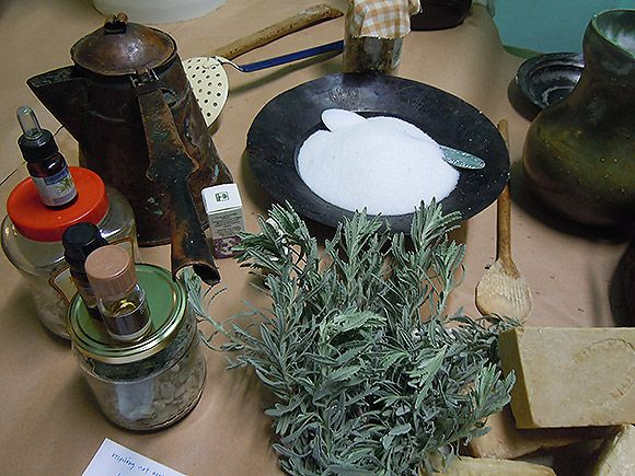 Κρητικό σαπούνι με ελαιόλαδο & βότανα: φτιάξ'το μόνος σου!