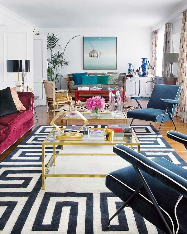 long room, seperated into seating areas. (Nuevo Estilo revista de decoración)