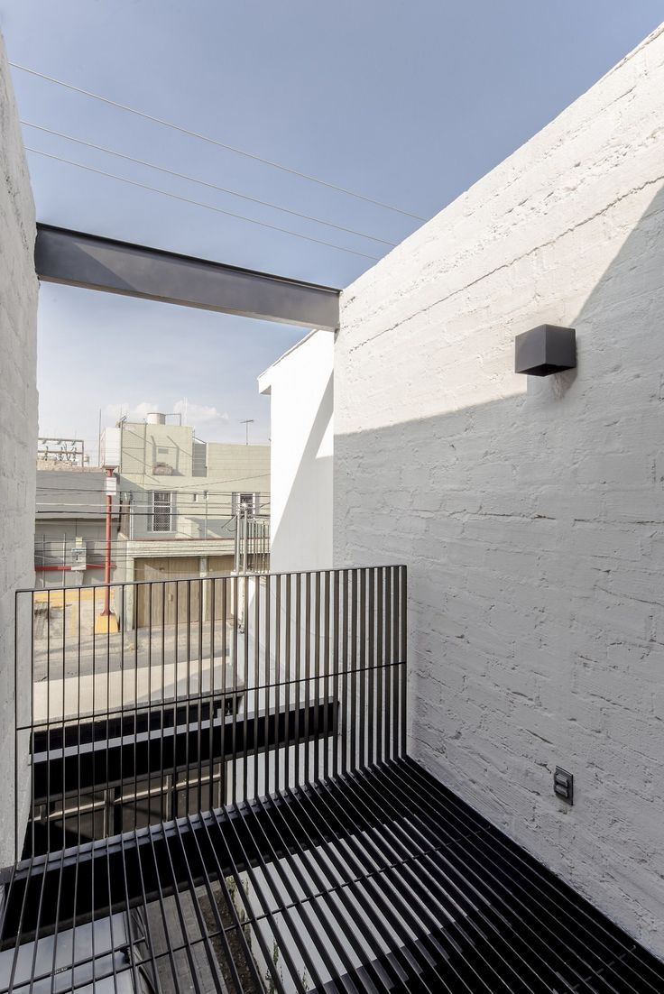 Delfino Lozano s RR House features an under stair larder