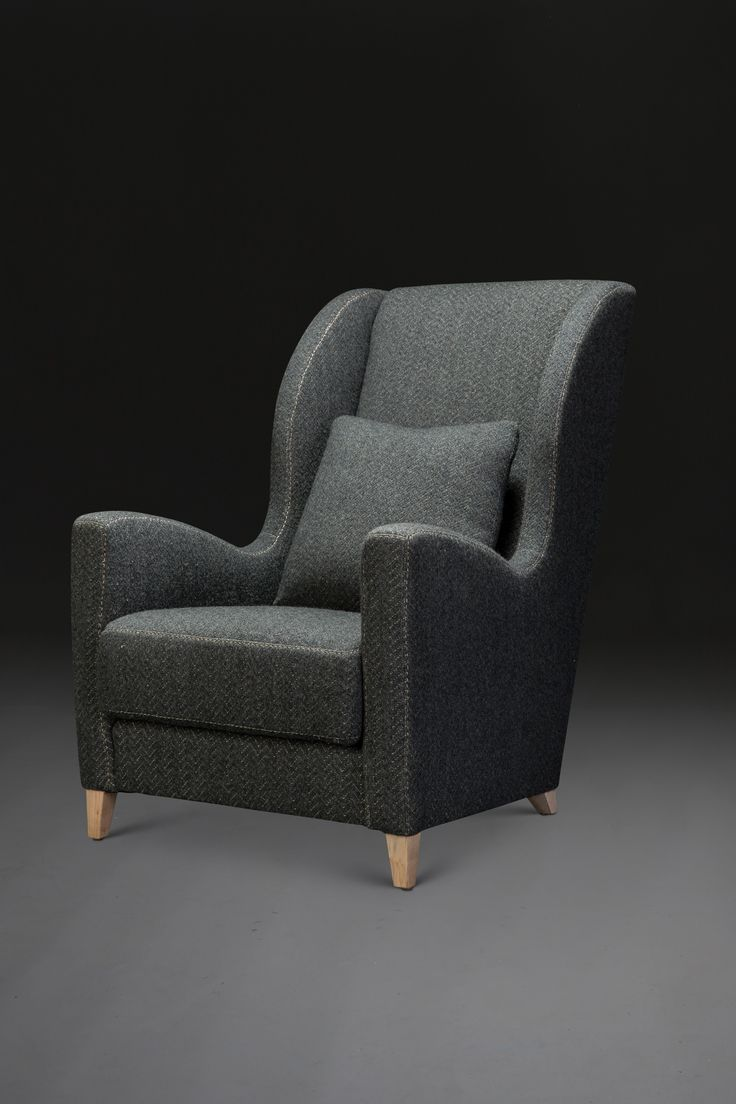 arnaud wing chair by verellen