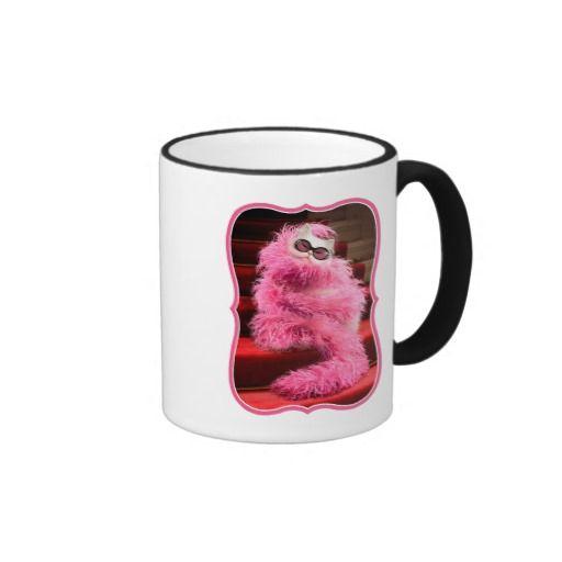 Avanti Press - Diva White Cat Wrapped in Pink Boa on Red Carpet. Regalos, Gifts. Producto disponible en tienda Zazzle. Tazón, desayuno, té, café. Product available in Zazzle store. Bowl, breakfast, tea, coffee. #taza #mug