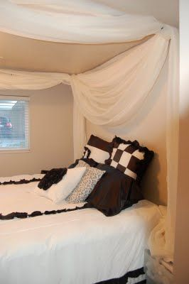 Brock- Haili & Grace Hansen: DIY canopy bed; view of the headboard.