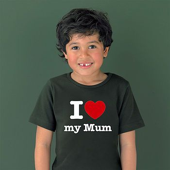 I ❤️ my mum shirt, available in sizes 0-13y for children and XS to XL in adults!
