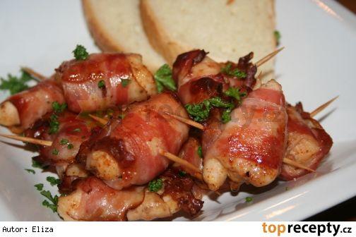 Rychlé pohoštění – Kuřecí kousky zapečené ve slanině