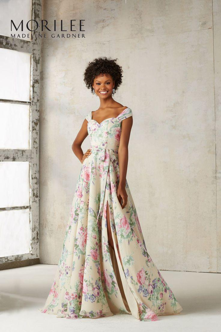 Wieczorowa suknia Mori Lee z rozcięciem spódnicy. Elegancka i seksowna suknia, dzięki rozcięciu przy nodze i dekolcie typu serce. Dodatkowo …