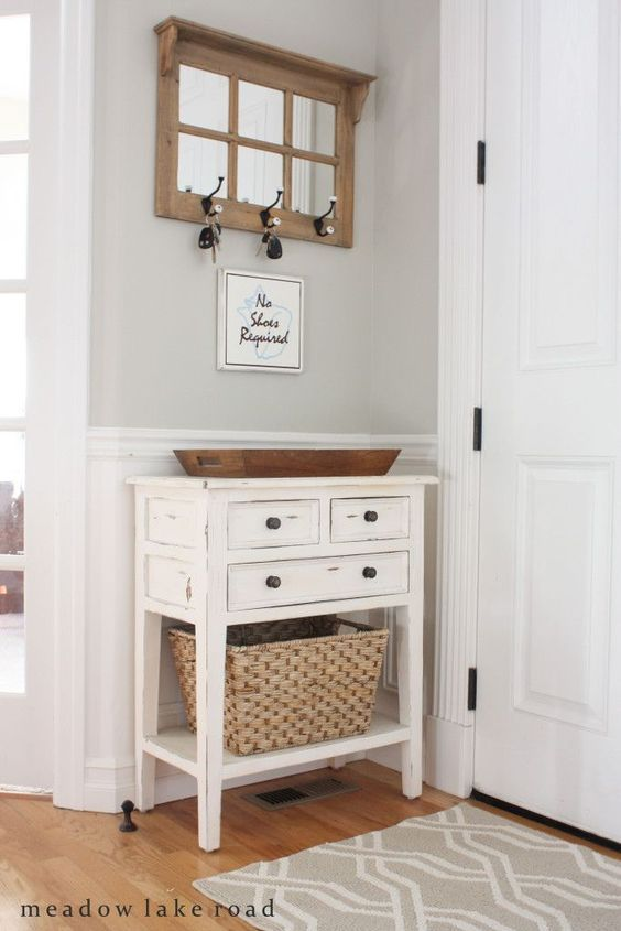 White Hall Tree Organizer Tight Entryway Hallway Mudroom 4 Hooks 2 Shelves