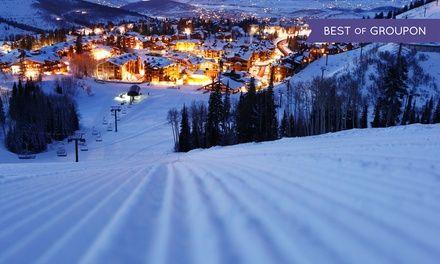 Do dyspozycji miłośników białego szaleństwa są szlaki obsługiwane przez kolej linową oraz w pełni wyposażony snowpark