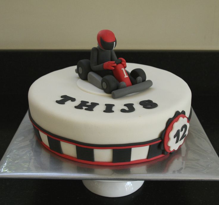 Thijs Go kart cake