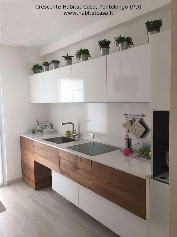 Cucina Lago 36e8 in vetro lucido bianco e legno Wildwood