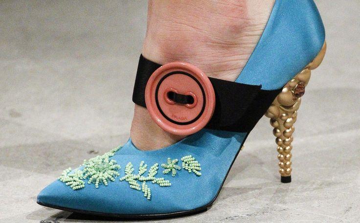 秋冬の足もとは個性派シューズでモードに彩る