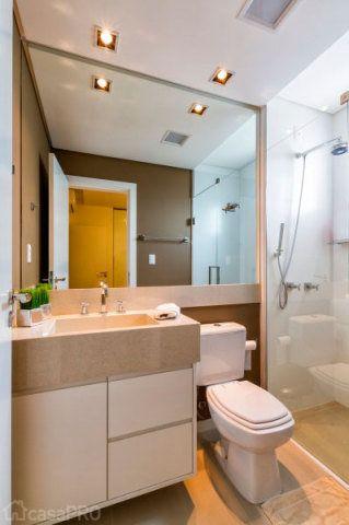 Cores neutras marcam o banheiro projetado por DuoTraço Arquitetura.