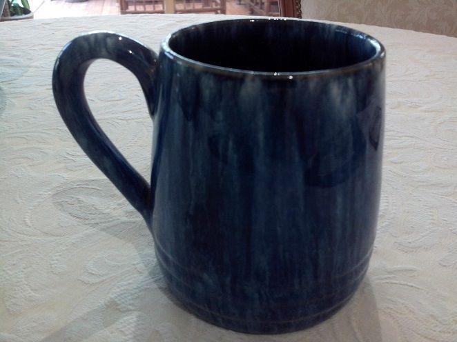 10cm BEAUTIFUL AUSTRALIAN JOHN CAMPBELL POTTERY BLUE MUG
