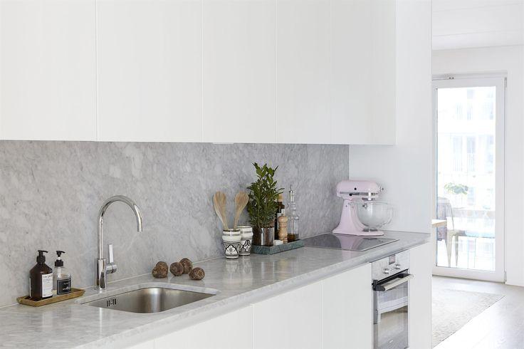 Marble kitchen carrera stockholm interior Textilgatan 25 | Fantastic Frank