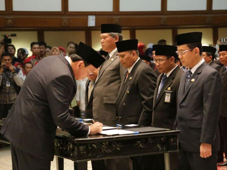 Basuki menandatangani berita acara pakta integritas